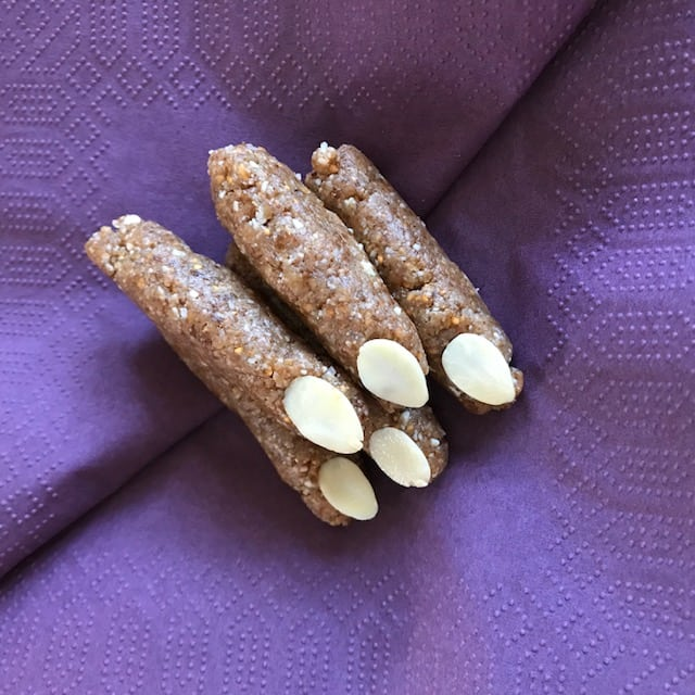 healthy Halloween treat recipe witches fingers